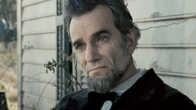 http://img2.looper.com/img/gallery/greatest-historical-performances-in-movie-history/daniel-day-lewis-lincoln-1451337114.jpg