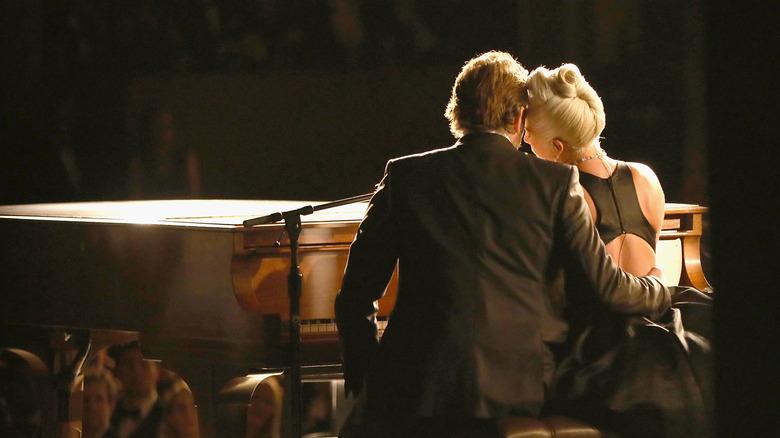 Lady Gaga & Bradley Cooper.