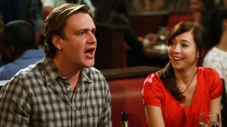 Alyson Hannigan and Jason Segel in How I Met Your Mother