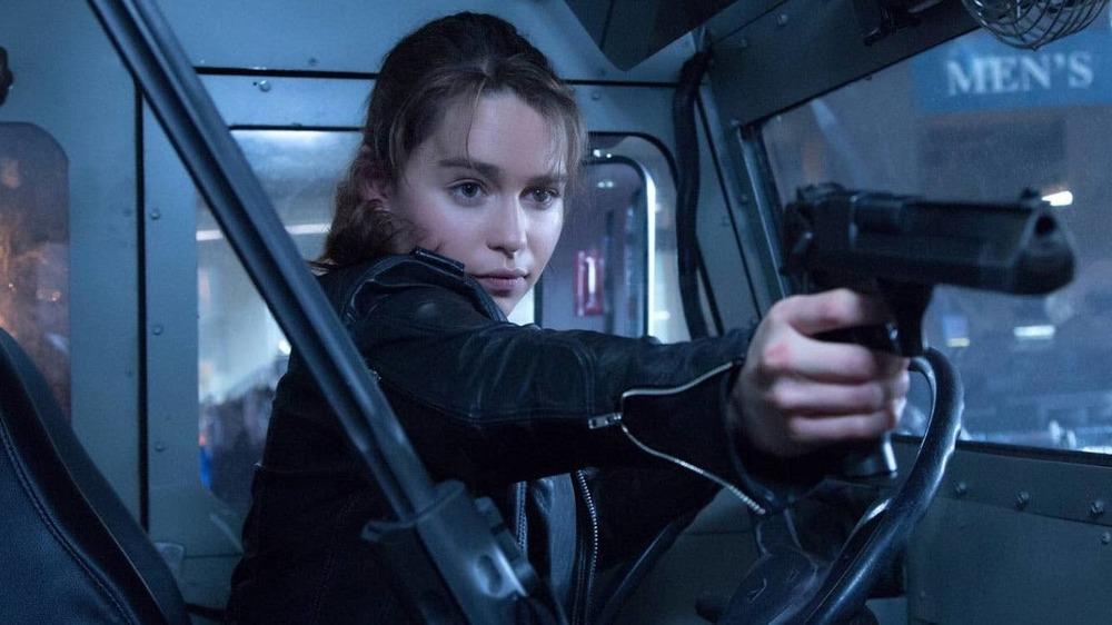Sarah Connor aiming pistol