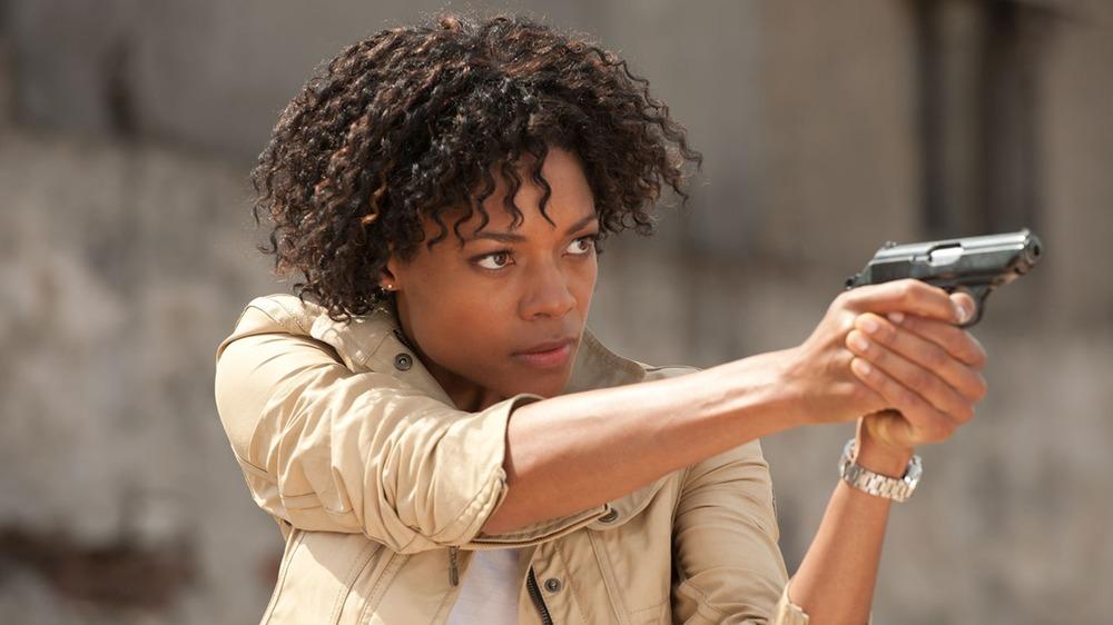 Eve aiming gun