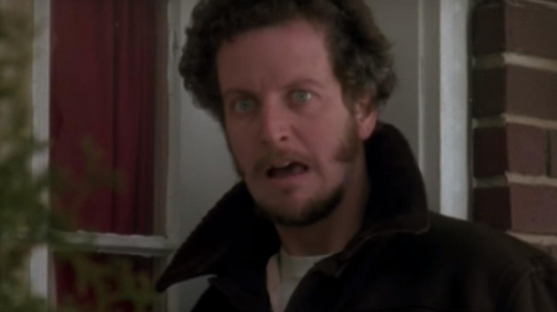 Awesome Dumb Things In Home Alone Everyone Just Ignored Download Free Architecture Designs Scobabritishbridgeorg