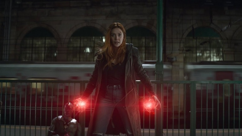 Scarlet Witch fighting