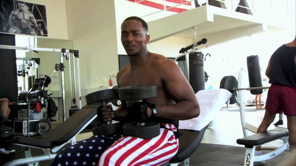 Anthony Mackie working out