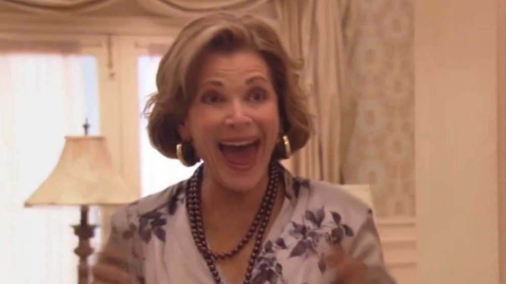 https://img2.looper.com/img/gallery/the-best-lucille-bluth-moments-in-arrested-development/nothing-makes-lucille-happier-than-gene-parmesan-1616709445.jpg