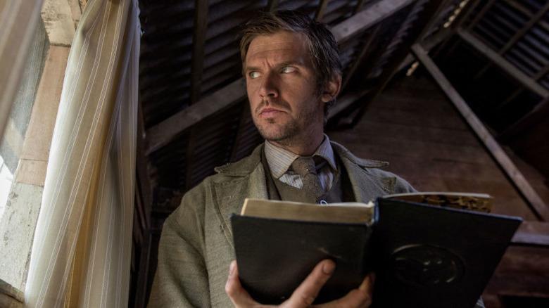 Thomas reading in Apostle