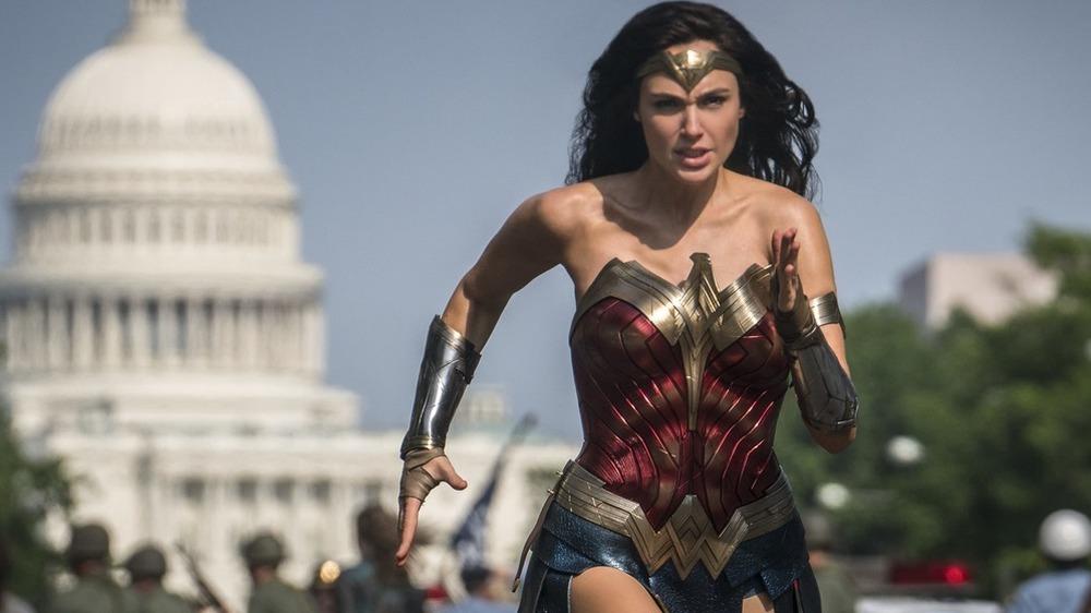 Wonder Woman running through Washington D.C.