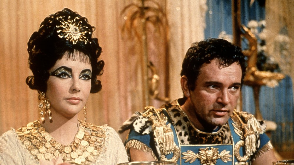 (from left to right) Elizabeth Taylor and Richard Burton in Cleopatra