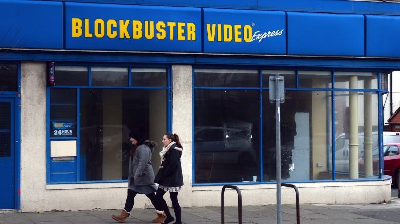[N E T F L I X ] الشـركـة الـتي غـيـرت عالم السينما || Evil Claw  The-real-reason-blockbuster-didnt-buy-netflix