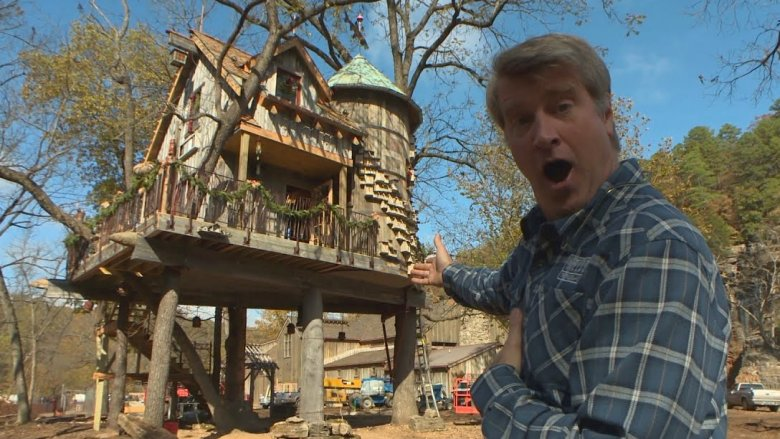 Pete Nelson in Treehouse Masters