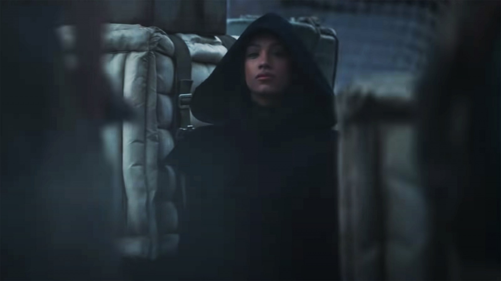 The Hooded Figure In The Mandalorian Season 2 Trailer
